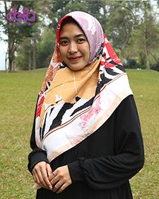 kerudung motif pink merah - delia hijab