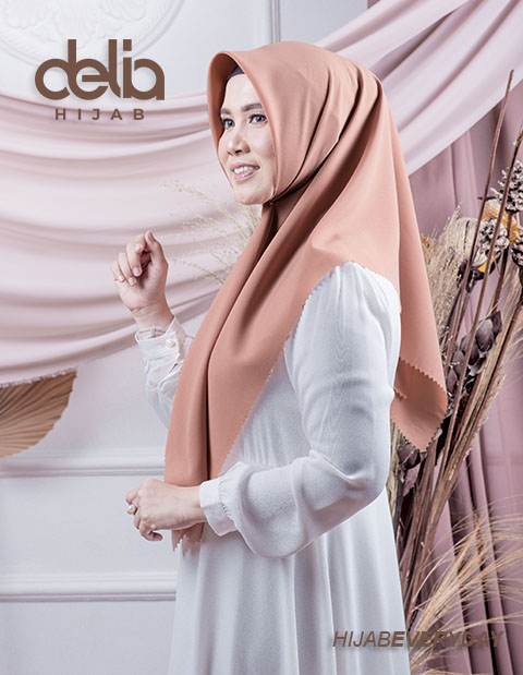Deskha Athira - Jilbab Segiempat Terbaru - Delia Hijab